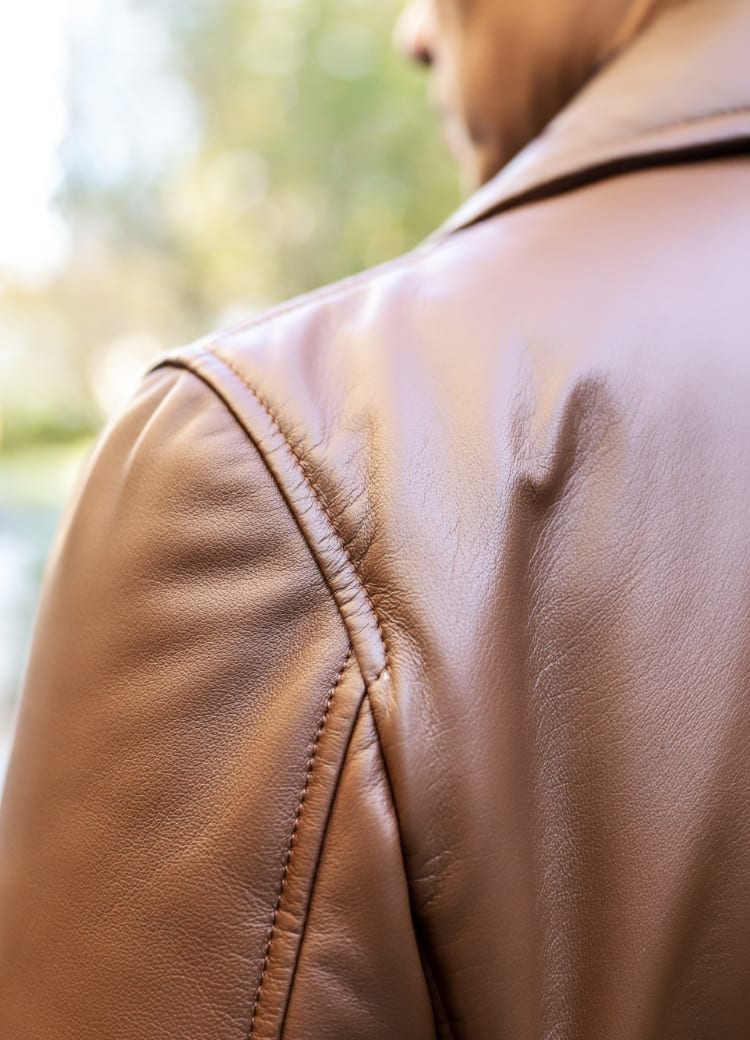 肩部分身頃ステッチが7ミリでカジュアルに見える様に意識して制作
